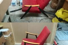Nojatuoli oli hukannut osan toisesta käsinojastaan jonnekin. Puuttuvan osan tilalle valmistettiin uusi, maalattiin se alkuperäisen mallin mukaisesti mustaksi ja kiinnitettiin paikalleen. Muutamasta kulmasta revennyt verhoilu korjattiin samalla.
